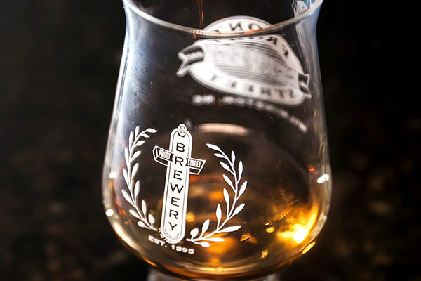 Front Street Brewery Whiskey Glas